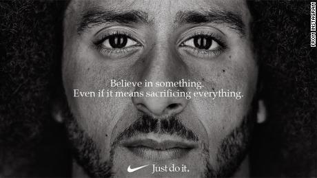 La Nike Ad di Colin Kaepernick vince l'Emmy per la pubblicità eccezionale