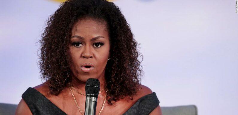 """Michelle Obama rivela di soffrire di """" depressione di basso grado """" a causa di un mix di pandemia, ingiustizia razziale e azioni di Trump in carica"""
