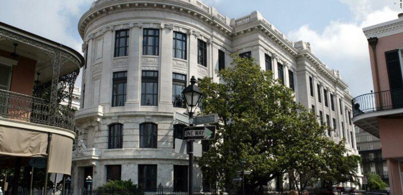 La Corte Suprema della Louisiana conferma la condanna a vita di un uomo di colore per aver rubato un tagliasiepi