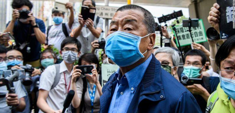 Il magnate dei media pro-democrazia di Hong Kong Jimmy Lai è stato arrestato in base alla nuova legge sulla sicurezza nazionale